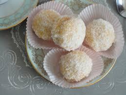 boules de neige petits gâteaux fondants à la confiture et noix
