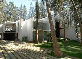 100 Ochre Home Tyagis House By Has Skylit Swimming Pool