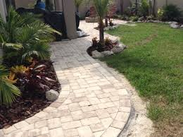 how to lay a garden patio best 25 how to install pavers ideas on walkway