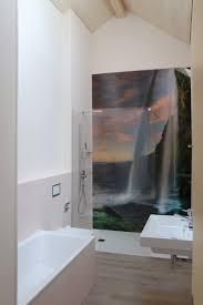 referenz objekt badezimmer mit wandbild arthur girardi ag
