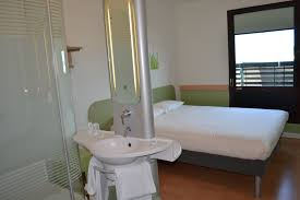 prix chambre ibis nîmes ibis budget et ibis styles deux nouveaux hôtels ont poussé