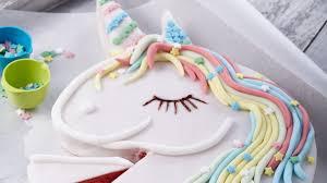 süßer einhornkuchen für den kindergeburtstag
