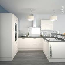 cuisine grise et plan de travail noir plan de travail cuisine gris cuisine chene clair plan travail noir