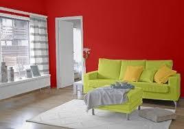 wohnzimmer farbkombination wandfarben in rot grün melone