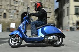 First Ride Vespa GTS 300 Super Review
