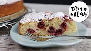 saftiger und schneller kirsch schmand kuchen rührteigkuchen backen mit mrs flury