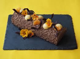 comment decorer une buche de noel recette bûche de noël chocolat et clémentine lille en bouche