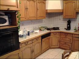 repeindre meuble de cuisine en bois repeindre ses meubles de cuisine en bois awesome peindre les