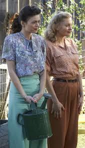 Bomb Girls Carol Demers Carlyn Burchell And Vera Burr Anastasia Phillips