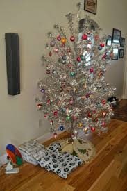 Evergleam Aluminum Christmas Tree For Sale by 24 Best Aluminum Christmas Trees Images On Pinterest Christmas