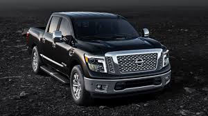 2017 Nissan Titan Vs RAM 1500 - Joliet, IL Truck Performance Comparison