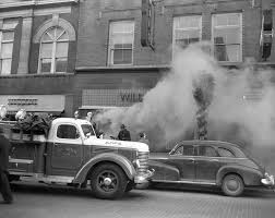 Ann Arbor Fire Truck Battles Wild & Co. Fire On State St, December ...