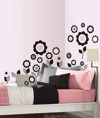 Divine Bedroom Pretty Flower Wall Painting With Lovely Color In