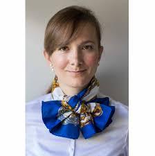 wearing my vintage hermes musee scarf in the pierrot knot