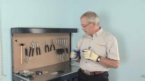 appliance repair replacing a light bulb whirlpool part 8009