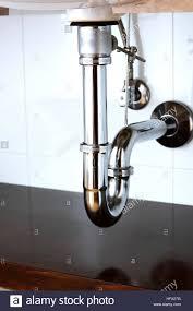 becken siphon oder waschbecken abfluss im badezimmer
