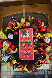 Mickey Mouse Bathroom Decorating Ideas by Best 25 Mickey Mouse Crafts Ideas On Pinterest Mickey
