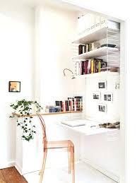 le petit bureau le petit bureau amacnager un petit coin bureau sur le palier le