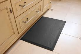 Decorative Cushioned Kitchen Floor Mats by Buying Tips Before You Buy Anti Fatigue Mats