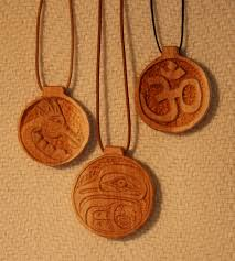 carving a wood pendant michael keller woodcarving