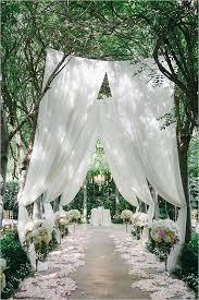 Stylish Outdoor Wedding Entrance Ideas 4