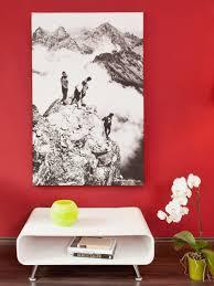 urlaub im wohnzimmer mit blick auf die berge fotohaus