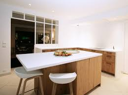 cuisine bois blanchi cuisines bois pour des cuisines lumineuses matières
