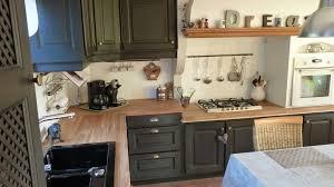 cuisine rustique chene renover cuisine chene avec galerie avec étourdissant repeindre sa