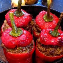 cuisiner les poivrons rouges poivrons rouges farcis à la viande chartier créateur d harmonies