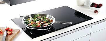 cuisiner avec l induction plaque induction gaz piano cuisine induction but 5 piano piano de