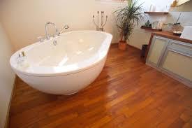 badezimmer in teak bodenbelag badezimmer deisl pa