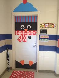 Winning Christmas Door Decorating Contest Ideas by Backyards Images About Christmas Dorm Door Contest