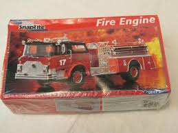 100 Fire Truck Model Kits Monogram SnapTite Engine Auctions Online Proxibid