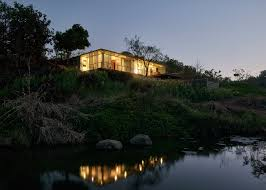 100 River Side House Side House By Architecture Brio Is Halfsubmerged