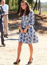 kate duchess of cambridge u0027s dress for day two of australian tour