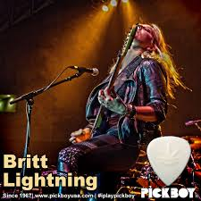 Iplaypickboy_Britt-Lightning Derek Trucks Susan Tedeschi Jacksonville Home Studio Youtube One For The Road Musicradar Down Beat Soulive Benny Green Russell Malone 2 2003 Guitars And Gear Dueling Slide Watch Eric Clapton Play Sunshine Music Blues Festival South Florida Insidersouth Hittin The Web With Allman Brothers Band Where Plus Claptons New Album Live In San Diego Features Jj Cale Feelin Alright Dave Mason Krasno Guest With North Missippi Allstars Signature Sg Daves Guitar Shop