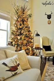 Rustic Christmas Tree Decorating Idea