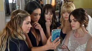 Halloween Town Characters Now by Now That U0027pretty Little Liars U0027 Is Over Will The Franchise Return