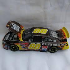 Dale Jarrett #88 UPS Race The Truck 2001 Taurus