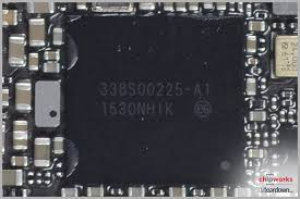 Here we have the 338S a new Apple Dialog Semiconductor PMIC for the iPhone 7 For your reference the previous iPhone 6S and 6S Plus used 338S