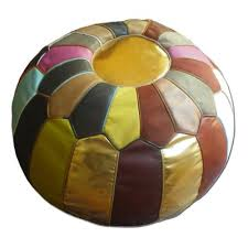 pouf en cuir multicolor de marrakech pouf hippia en cuir de veau