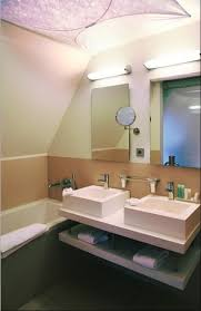 ein bad mit schräge die perfekte lösung raumax