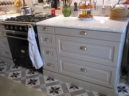 poignee de porte de cuisine changer poignee meuble cuisine galerie avec comment changer une