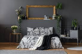 blumen im schlafzimmer einschlafhilfe oder unruhestifter