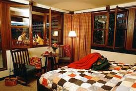 chambre standard sequoia lodge disney s sequoia lodge coupvray guest reviews