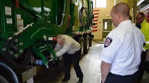 100 Natural Gas Trucks Elgin Firefighters Get Primer On Natural Gas Garbage Trucks As WM