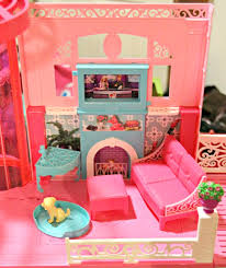 Barbie Living Room Playset by Barbie U0027s Moved Into The New Barbie Dream House Barbieismoving
