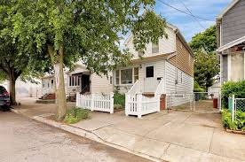 100 Ozone House 9121 Gold Road Park Queens NY 11417 Weichert Properties
