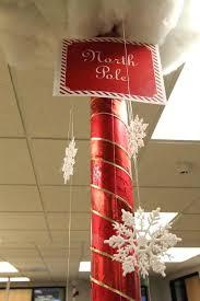 Christmas Office Door Decorating Ideas Contest by Christmas Office Decorating Ideas For The Door Woman Wins