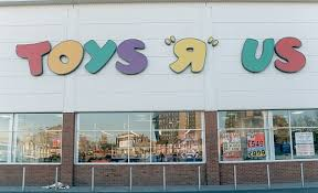 toys r us siege social toys r us plans to at least 26 uk stores daily mail
